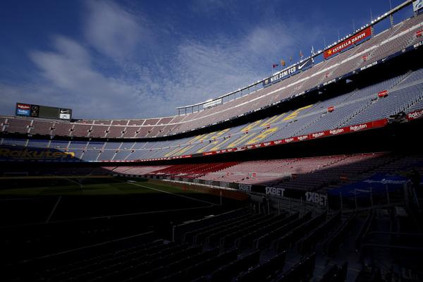 Aspecto del Camp Nou antes de que dé inicio el FC Barcelona-Valencia CF