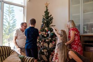 Sydney woman Leisha Freebury and her children have been reunited with family in Perth to celebrate Christmas.