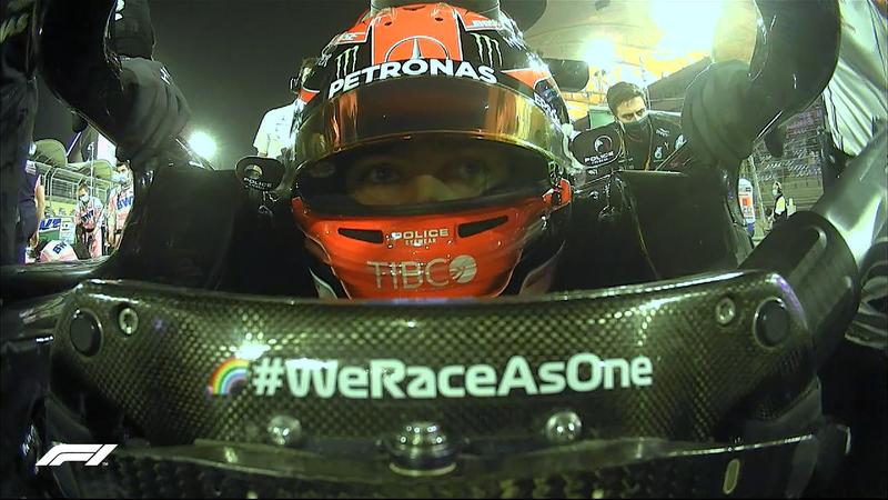Cara de concentración de George Russell en el Mercedes. El británico usa hoy el número 63 en el monoplaza que habitualmente luce el 77 de Hamilton. Mientras, en Williams, el joven Jack Aitken se estrena en la F1.