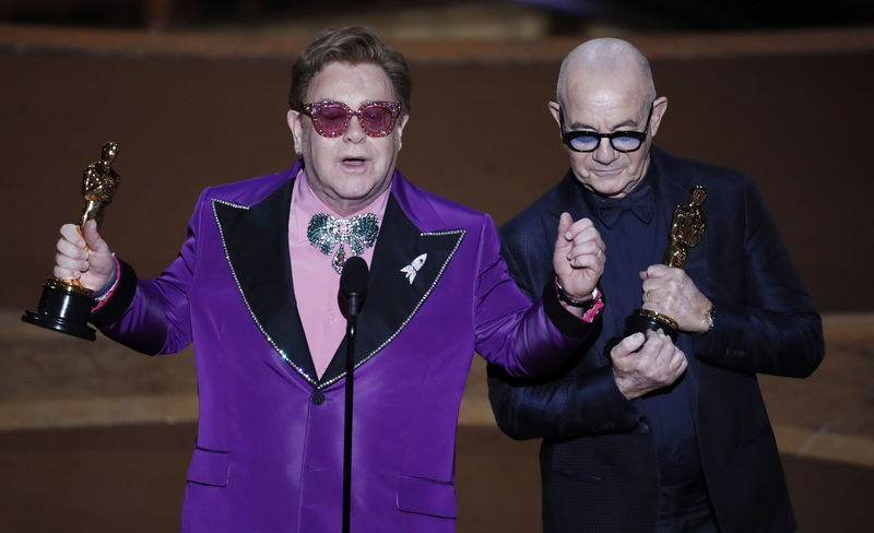 Elton John se ha llevado el premio a la mejor canción