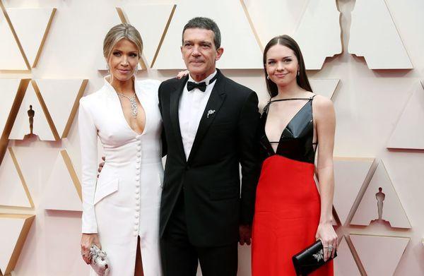 Antonio Banderas junto a Stella Banderas a su llegada para los premios Oscar 2020