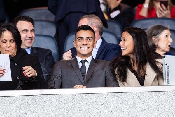 El jugador brasileño siguió el Madrid-Celta en el Bernabéu