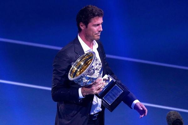 El ruso Marat Safin, campeón de 2005, entregará la Norman Brookes Challenge Cup al mejor de la final FOTO: EFE