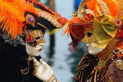 """Carnaval Venetië afgelast na twee besmettingen in de stad: """"Er zullen nog drastische maatregelen volgen"""""""