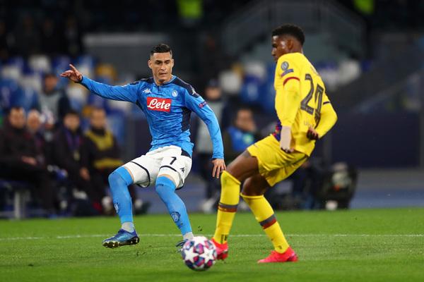 Junior falló en la jugada del gol del Nápoles, que supuso el 1-0 FOTO: GETTY