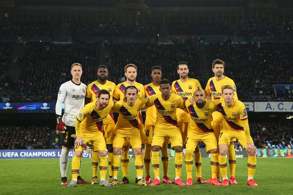 El once del Barça en Nápoles: Ter Stegen, Umtiti, Rakitic, Junior Firpo, Busquets, Piqué, Messi, Griezmann, Semedo, Vidal y De Jong
