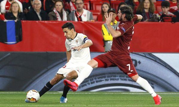 Jesús Navas está siendo uno de los jugadores más activos del Sevilla FOTO: EFE