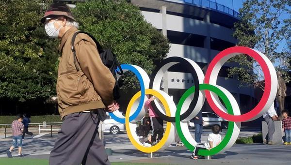 El COI decidirá si se mantiene la fecha para la disputa de los Juegos de Tokio (Laurent Gillieron - Laurent Gillieron / AP)