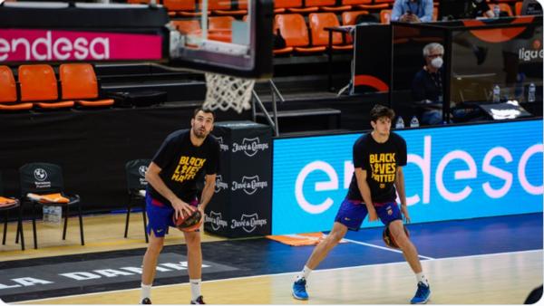 El primer partido de la fase final de la Liga Endesa empezó con camisetas en apoyo a la lucha contra el racismo FOTO:: M. Casares / ACB PHOTO