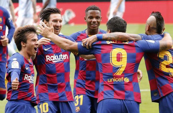 El Barça ha celebrado así el gol de Suárez FOTO: EFE