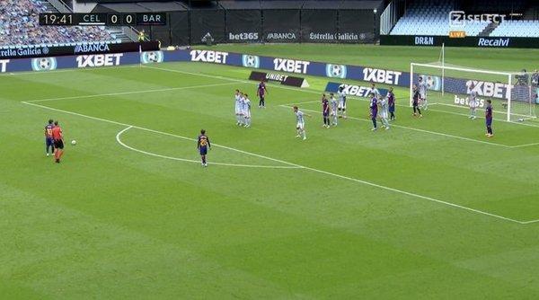 El lanzamiento de falta de Messi en el 0-1