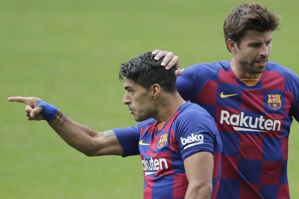 La celebración de Suárez en el 1-2 FOTO: EFE