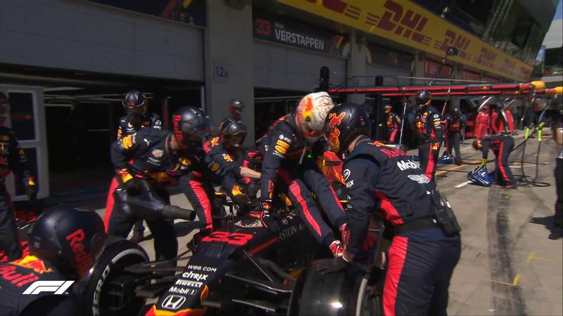 Verstappen bajando de su monoplaza (@F1)