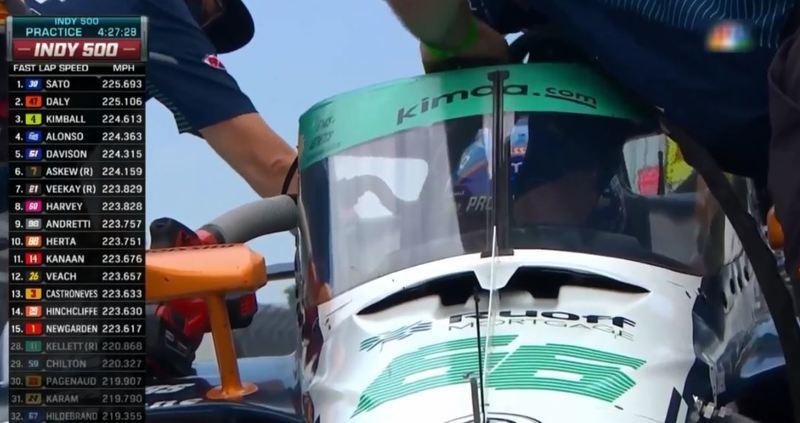 Alonso, en el pit lane de las 500 Millas de Indianápolis