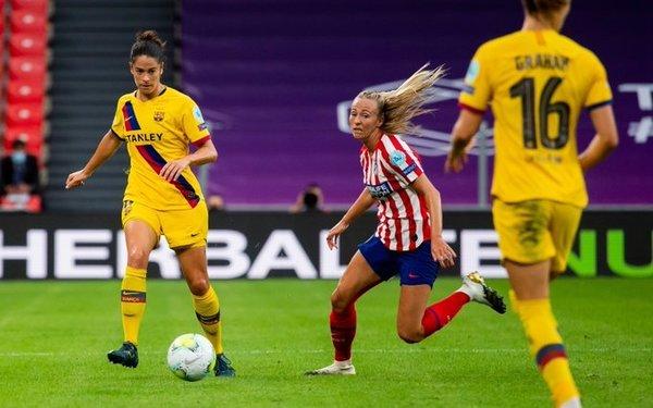 Torrejón y Duggan, en acción FOTO: FCB