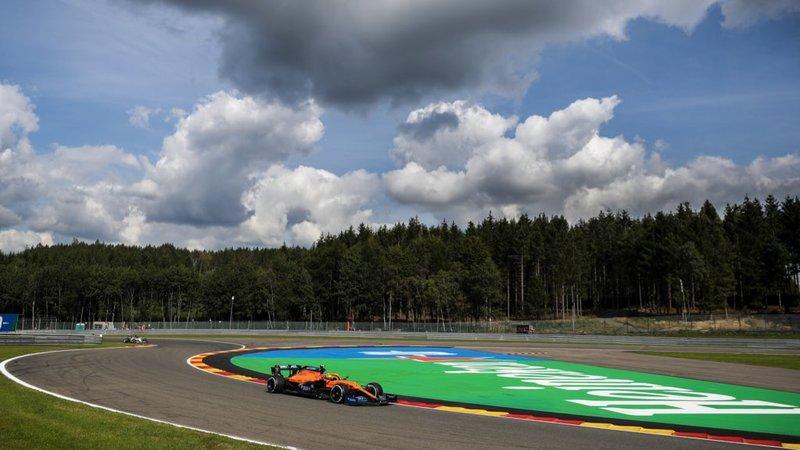Muy bonito y muchas nubes, pero nada de lluvia en Spa. (@McLarenF1)
