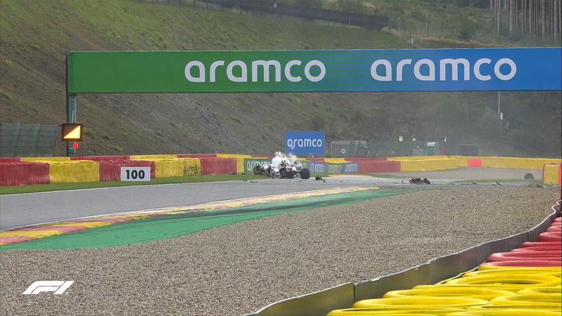 Una imagen de como han quedado los coches de Giovinazzi y Russell.