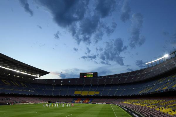 Imagen espectacular del Camp Nou antes del inicio del choque entre Barça y Nápoles FOTO: GETTY