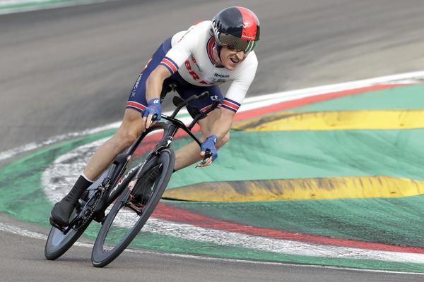 Geraint Thomas, en acción en el circuito de Imola
