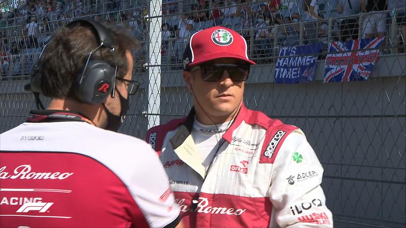 Kimi, tranquilo en la parrilla antes de disputar su GP número 322.