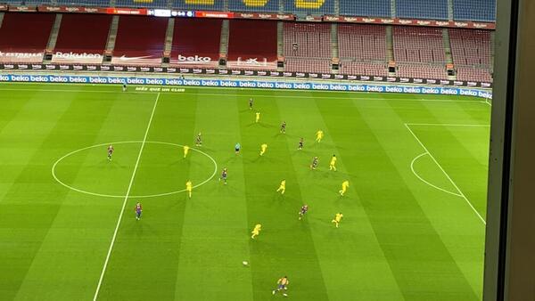 Disposición táctica de la salida del Barça.