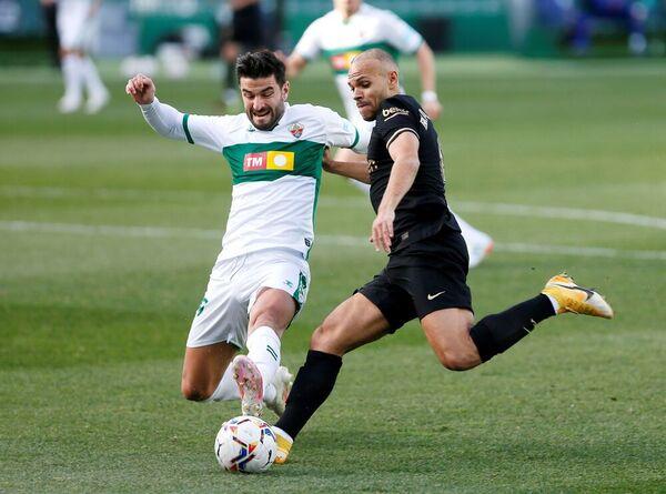 Braithwaite inició la jugada que acabó en el gol de De Jong para el Barça FOTO: AP