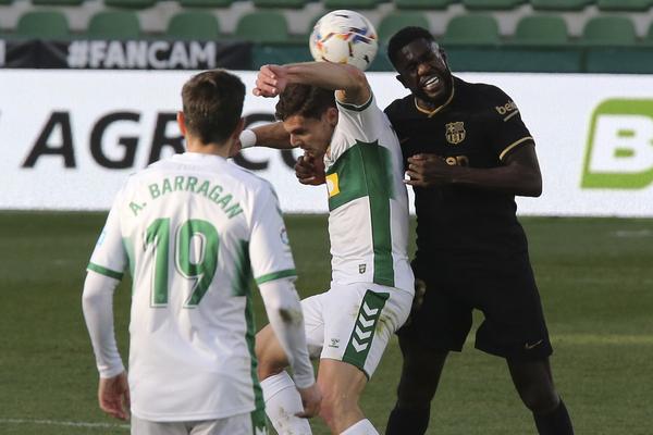 Umtiti, la gran novedad en el once del Barça FOTO: AP