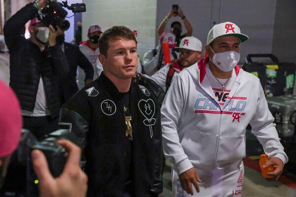 Canelo Álvarez, a su llegada al Hard Rock Stadium de Miami (Efe)