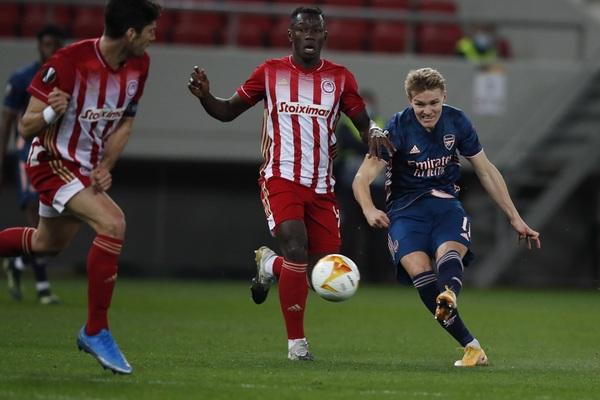 Martin Odegaard ha firmado su primer gol como jugador del Arsenal Foto: AP