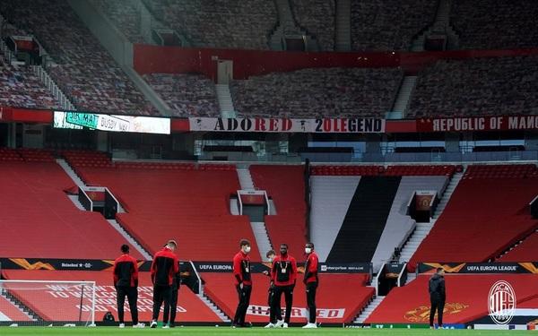 Old Trafford, aunque sin público, siempre luce espectacular Foto: Milan