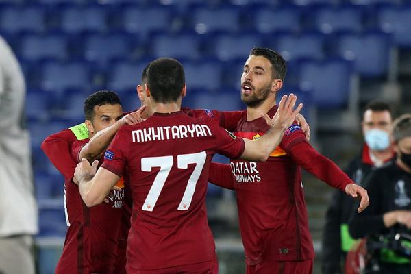 Pedro, decisivo con su asistencia para que Pellegrini adelantara a la Roma contra el Shakhtar Donetsk Foto: Getty
