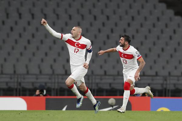Yilmaz, el héroe del partido.