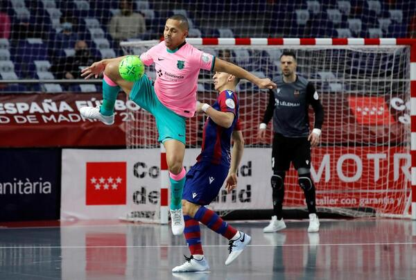 Ferrao, en el Levante-Barça FOTO: EFE