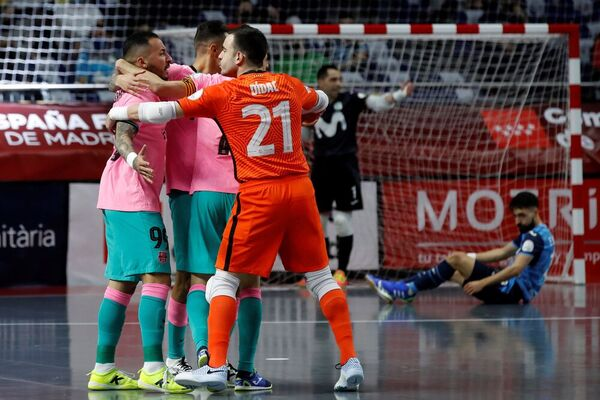 La alegría del Barça tras el 0-1 FOTO: EFE