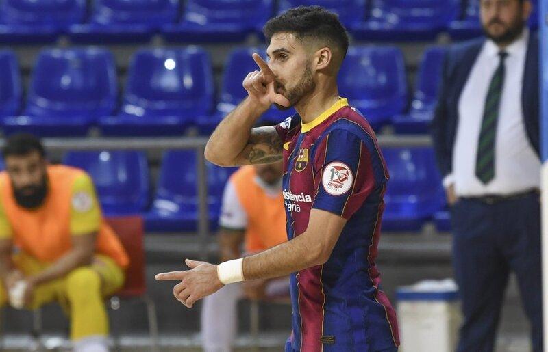 Adolfo celebra el 1-0