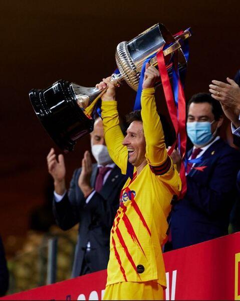 Messi, levantando la Copa del Rey como capitán del Barça FOTO: FCB