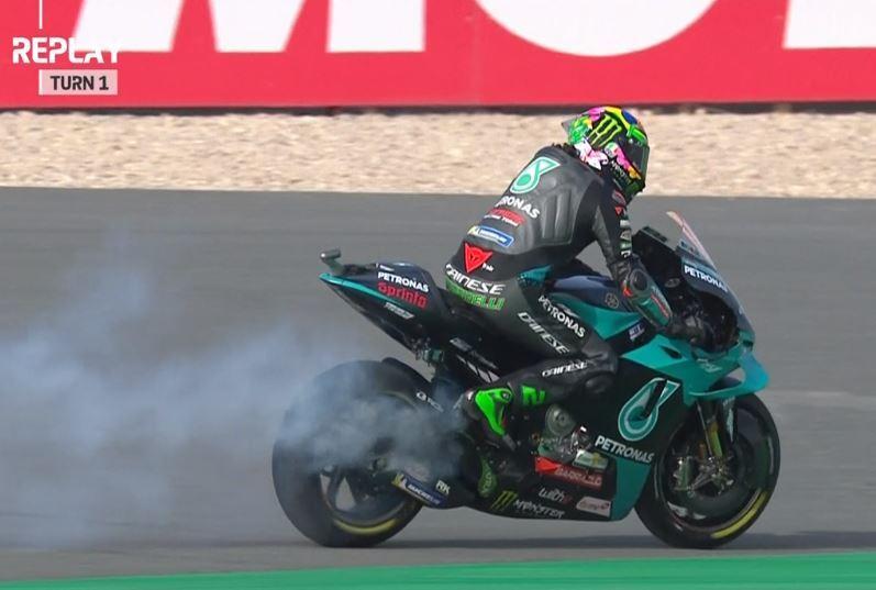 Sale humo de la moto de Morbidelli