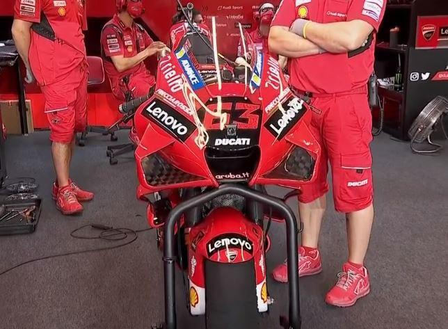 DAZN nos muestra el apéndice extra que llevan las Ducati en la parte baja delantera del carenado