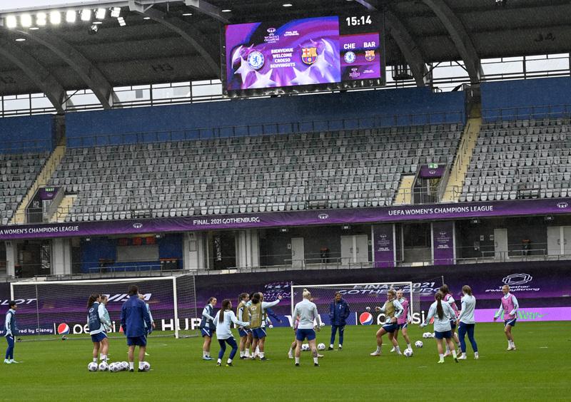 El Chelsea, en el entrenamiento (Foto: Manel Montilla)