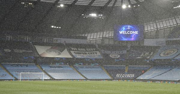 Llueve en Manchester a 40' para que dé inicio este City-PSG